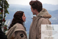 Bella (Kristen Stewart) and Edward (Robert Pattinson) filming at the lovely View Point Inn